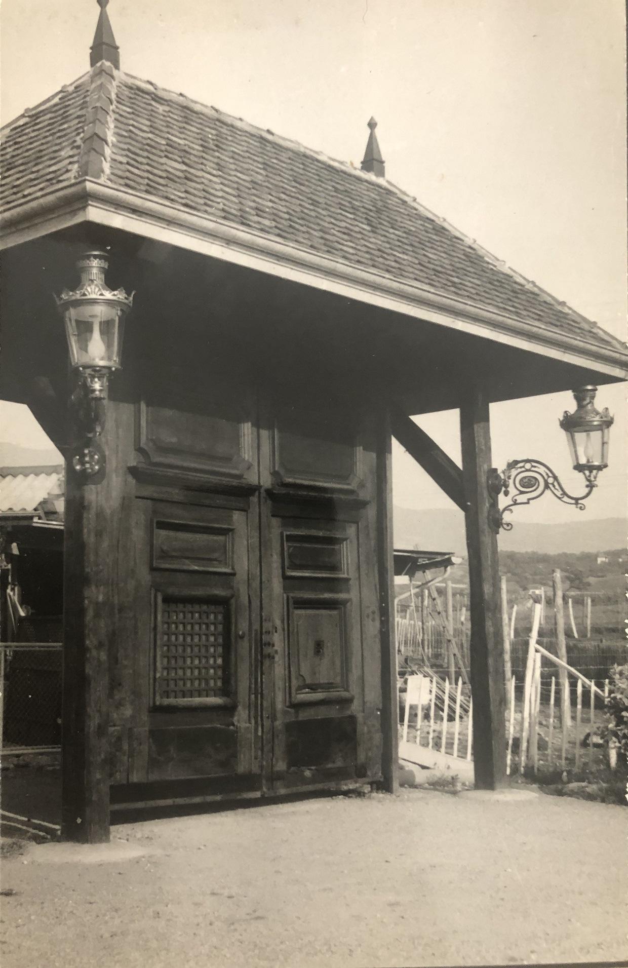 porte ancienne savoie